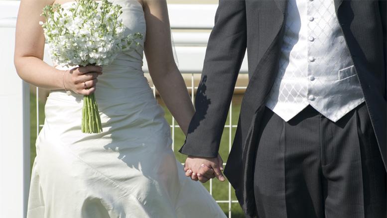 Bare 23 par giftet seg i kirkene i Årstad i fjor, 54 i 1998