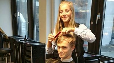 Årstad-elever med frisørsalong