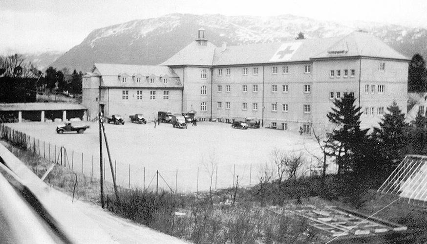 Minde skole var militærsykehus under krigen og elevene måtte gå på andre skoler.