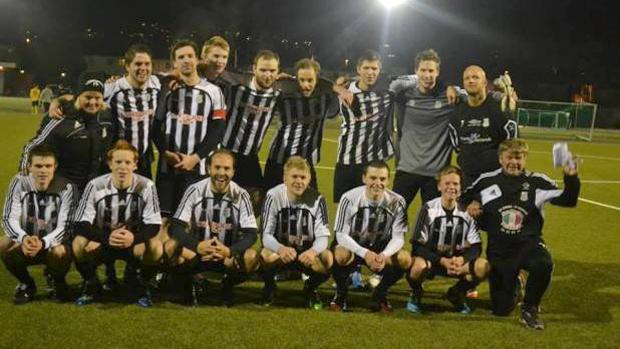 Baune ble sist i sin avdeling i 4. divisjon i 2015, men kan se tilbake på tre sesonger i 3. divisjon de siste ti årene. Bilde av 2015-laget: Baune.