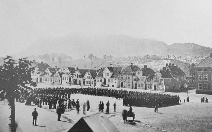 Borgervæpningen i Bergen brukte huset og plassen som arena frem til de flyttet utendørsaktiviteten til Årstad i 1927. Foto: Wikipedia.