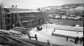 Puddefjordsbroen under bygging, ett av 80 millioner bilder fra oslofotografer