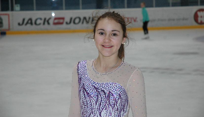 Irina Karen Astorga (12) fra Landås var blant deltagerne på trenerseminar. Irina Karen er blant Bergen Kunstløpklubbs lovende yngre medlemmer. Foto: Årstadposten.