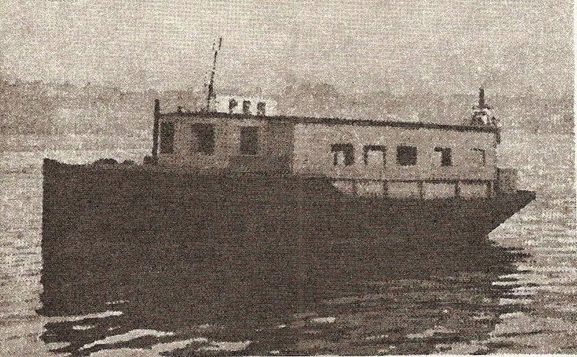 Per (bildet) og Pål var de første fergene som ble kjøpt inn for trafikk over Damsgårdssundet. Per ble brukt til 1932 og gikk hovedsakelig som nattferge.