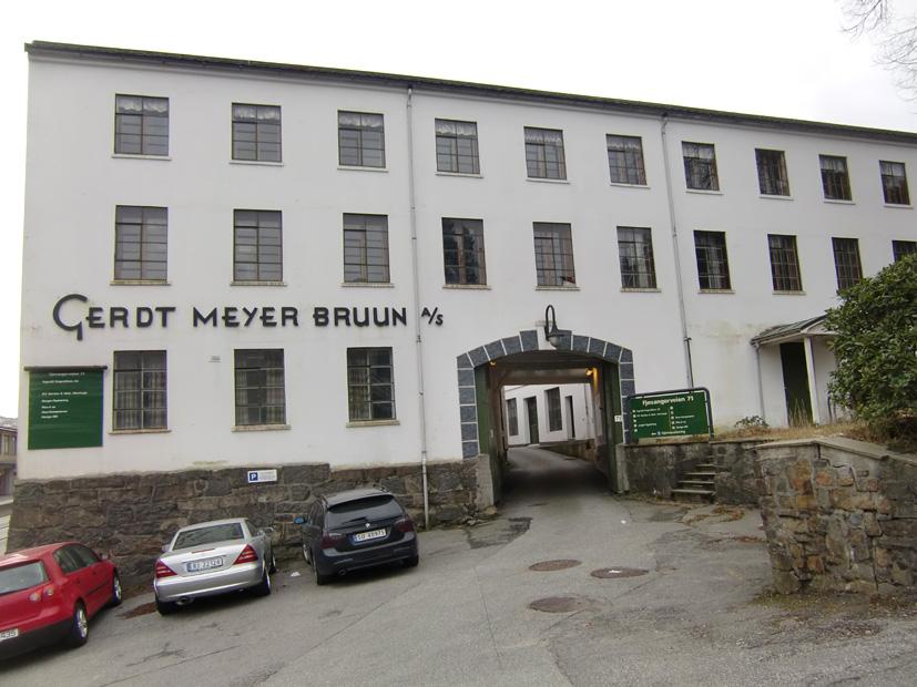 Anlegget i Fjøsangerveien har inngang fra nord.