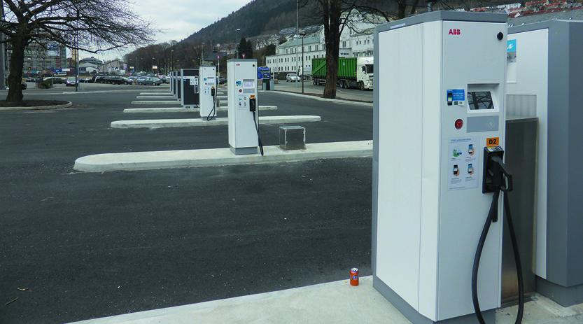 Danmarksplass får Vestlandets første fyllestasjon for hydrogenbiler