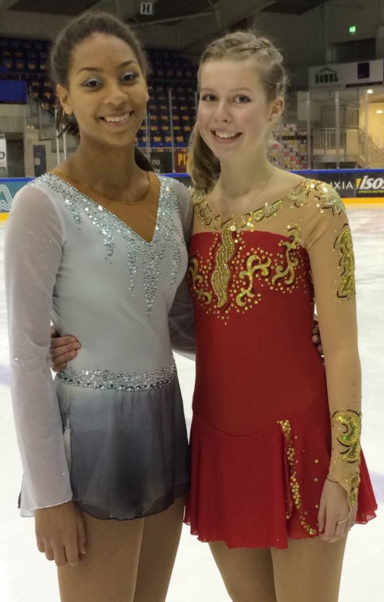 Klara Arima Blitzner (Landås), til venstre, nr. 1 og Kristin Mehammer (Møhlenpris) nr. 3 i Basic i Norgescupen i Sarpsborg. Foto Sissel Mehammer.