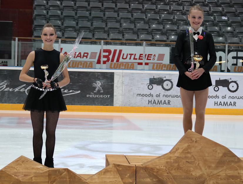 Malene Johansen Trengereid, til venstre, som vant sølv, og gullvinner Ingrid Louise Vestre. Foto: Carita Johansen.