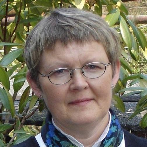 Solgunn M. Flaktveit fra Sollien på Landås har gitt ut diktsamlingen «Alltid nær» til minne om datteren Audhild, som ble drept i en trafikkulykke 1. mars 2004.