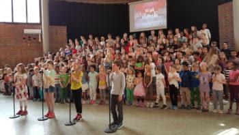 Kronstad skole med jubileumsforestilling i Grieghallen 8. mai