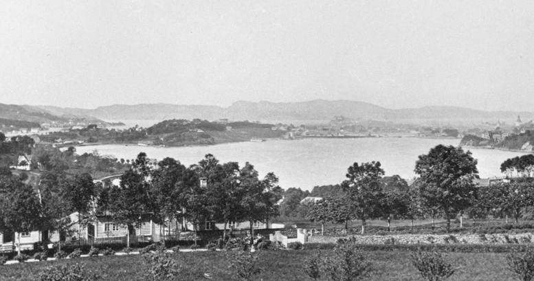 Utsikt fra Markusplassen for 150 år siden og i dag
