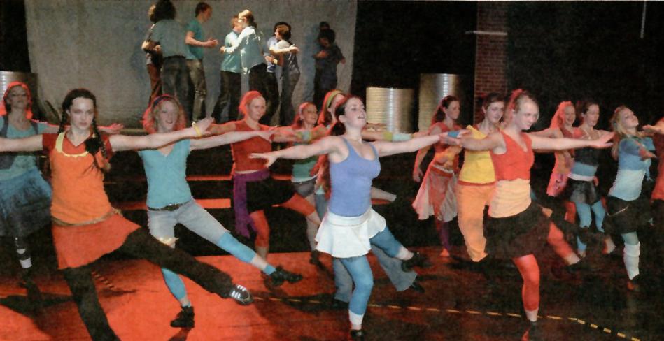 Da 150 Langhaugen-elever satte opp West Side Story i 2006