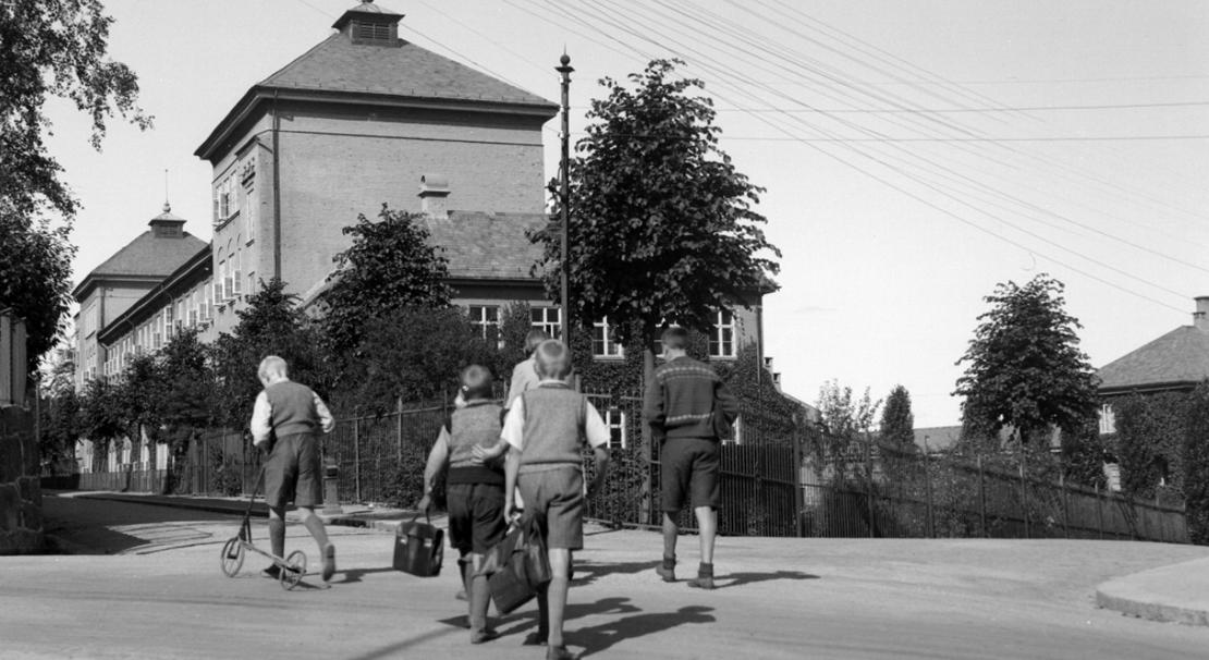 Hundre år siden planleggingen av Ny-Krohnborg skole tok til