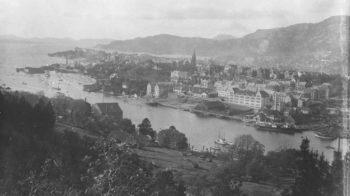 Ved Damsgårdssundet for 110 år siden