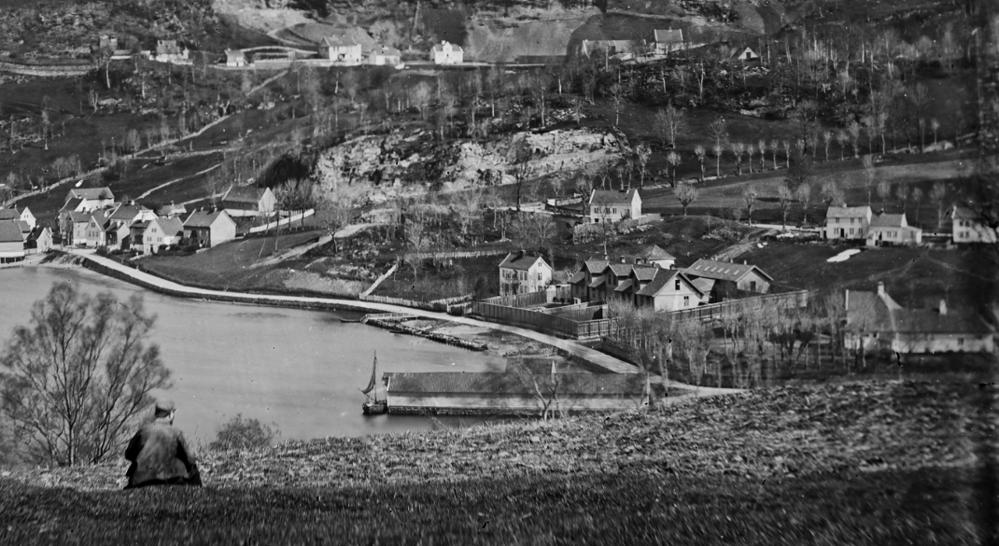Ti år med sommerlige forlystelser på Nedre Møllendal gård